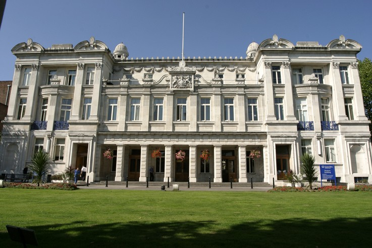 It was recently ranked among the top five universities in London. There are  six Nobel Laureates amongst Queen Mary's alumni and current and former  staff.