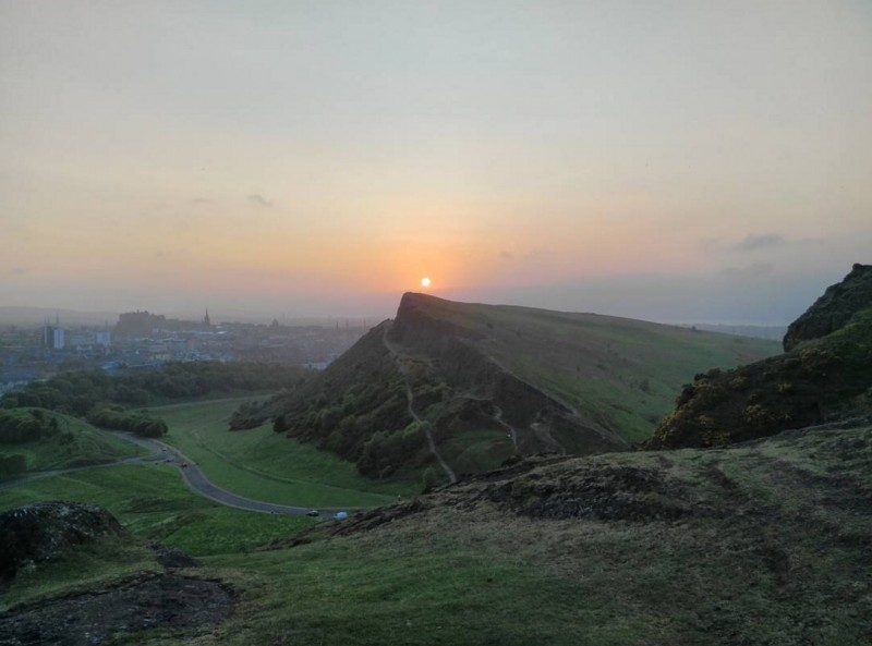 View from Arthur's Seat, Edinburgh (source: www.instagram.com/alexanderjarvisc/)
